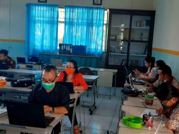 Pengawas dan Wali Kelas Kontrol Siswa Ujian Online