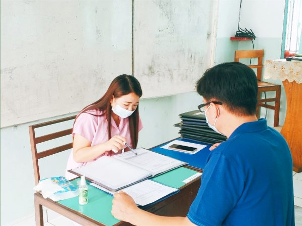 Kegiatan Penerimaan Rapor Mid Semester Genap T.P 2020-2021